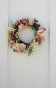 greece-santorini-white-flower-crown