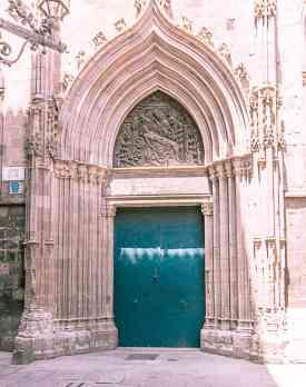 door in barcelona spain-4
