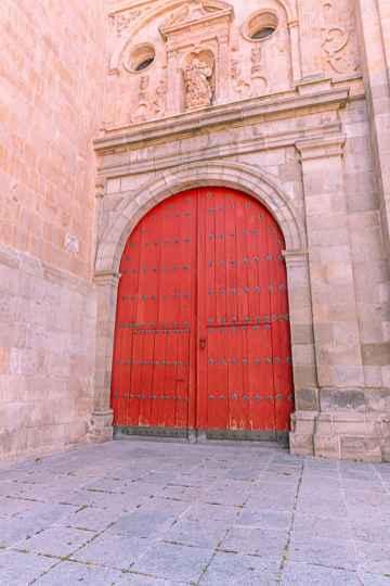 door in salamanca
