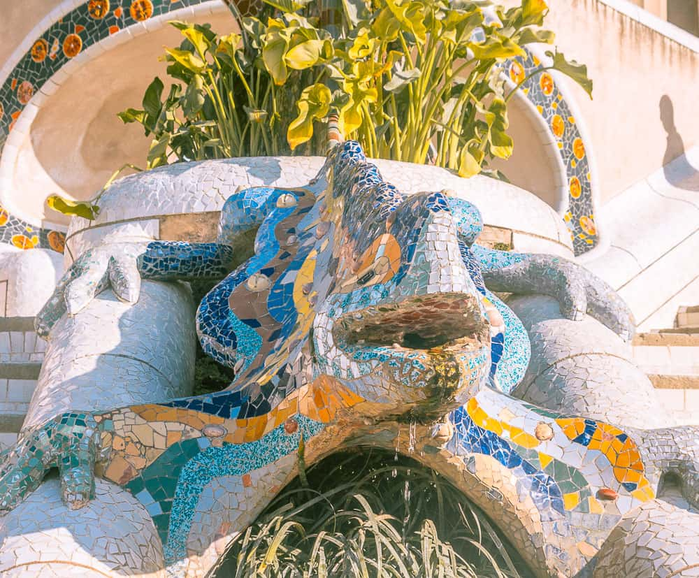 barcelona park guell_- water feature
