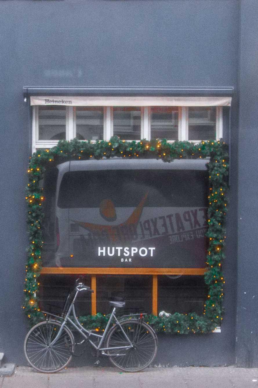 expat explore bus
