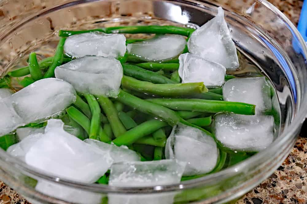 Ice water and green beans