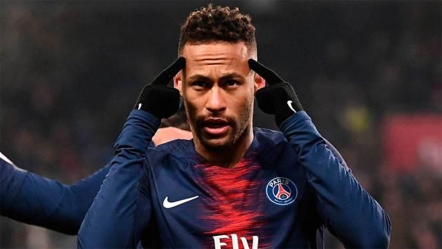 Movimiento letal de Neymar para crear espacios