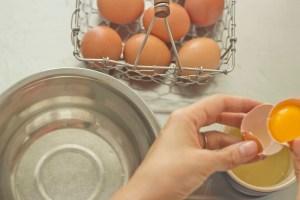 meimanrensheng.com how to cook- separating eggs step 6