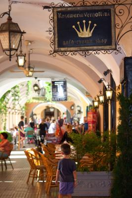 Bellagio shops and restaurants