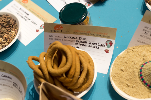 Rings of peanut biscuits from Burkina Faso
