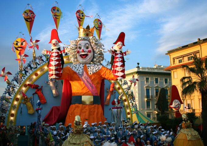 Carnevale parade in Viareggio