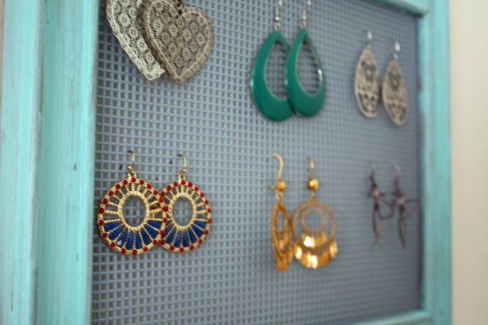 interior-shavvy-chic-diy-necklace-and-earring-holder-with-light-brown-framing-photo-frame-diy-necklace-and-earring-holder-comes-comfident-like-manufacturing-produce