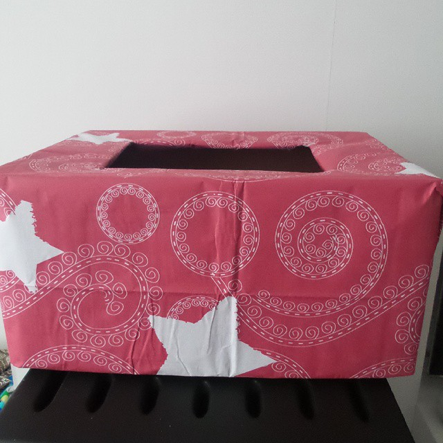 recyclagedoos voor kerstpapier