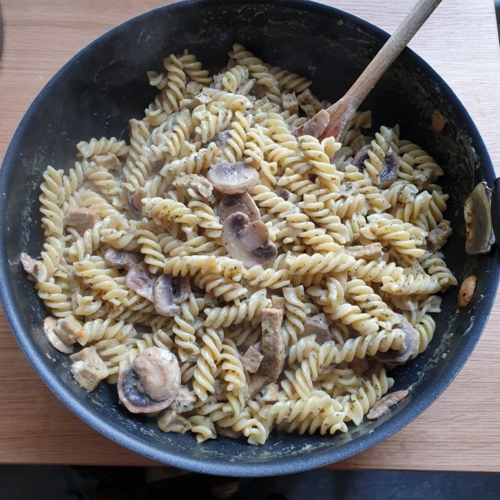 One pot pasta met champignons
