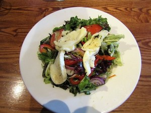 eatingout, eating out, beefeater, glutenfree, gluten free, coeliac, livingcoeliac, living coeliac, halloumi, salad