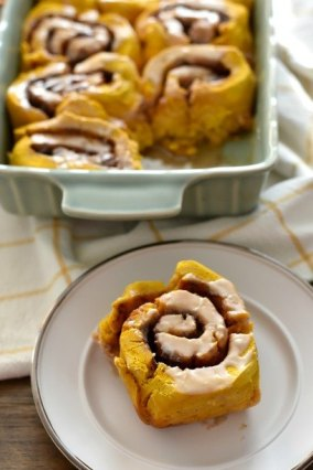 Gluten Free Pumpkin Cinnamon Rolls with Maple Glaze