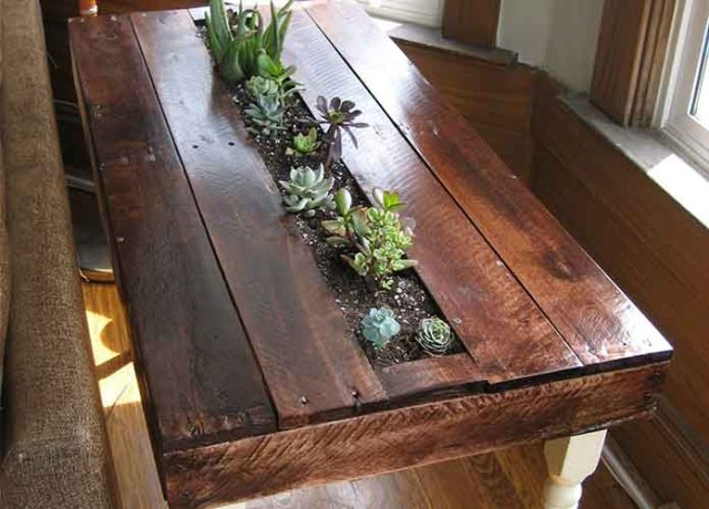 Pallet Table Planter