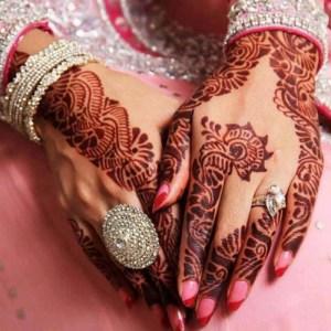 dark-mehndi-design-for-karva-choth