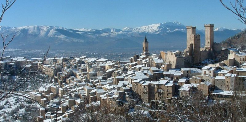 Italian Village © L'alpinista - Fotolia.com