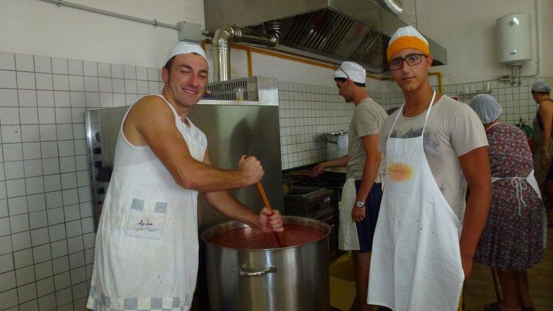 Preparing the sugo