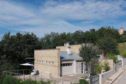 Contemporary organic architecture