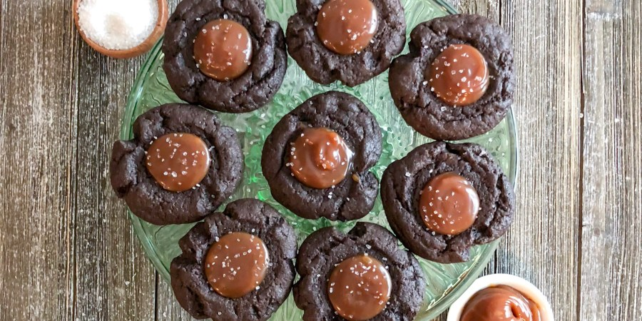 Salted Caramel Chocoalte Cookies on a green cake plate