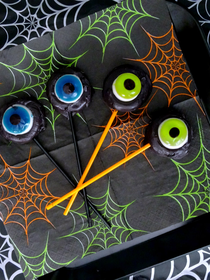 How to Make Easy Halloween Monster Eye Cookie Pops