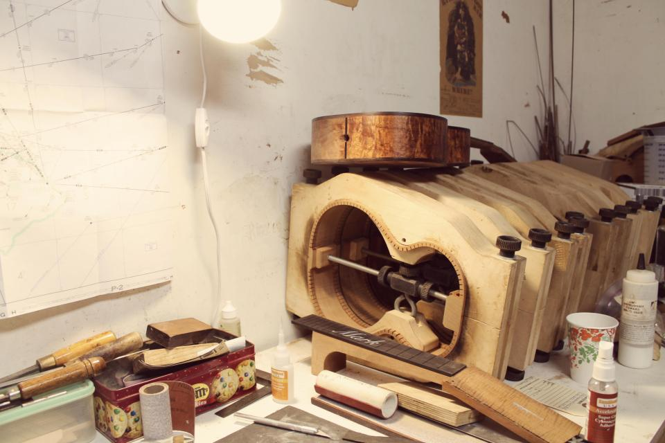 contributor-story-behind-ukulele-rachel-saputro-for-livingloving-1