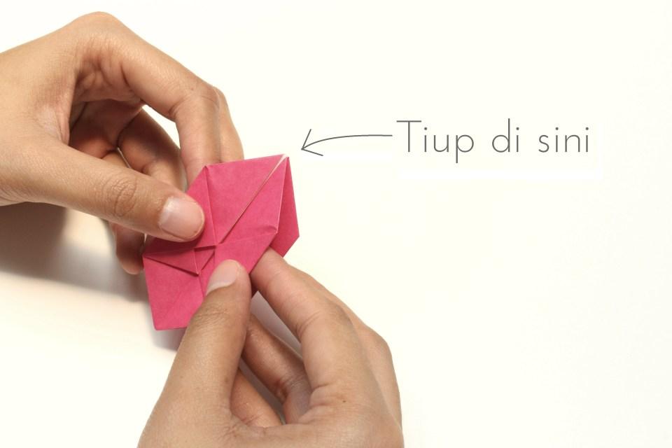 DIY-Origami-String-Lights-foldmenow-livingloving-11-with-text