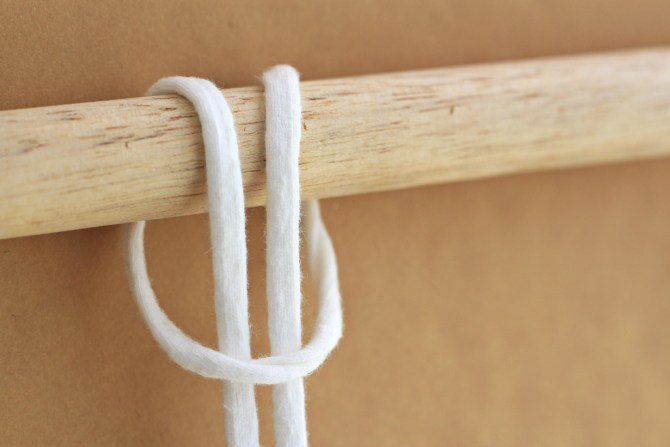 diy-macrame-wall-hanging-1
