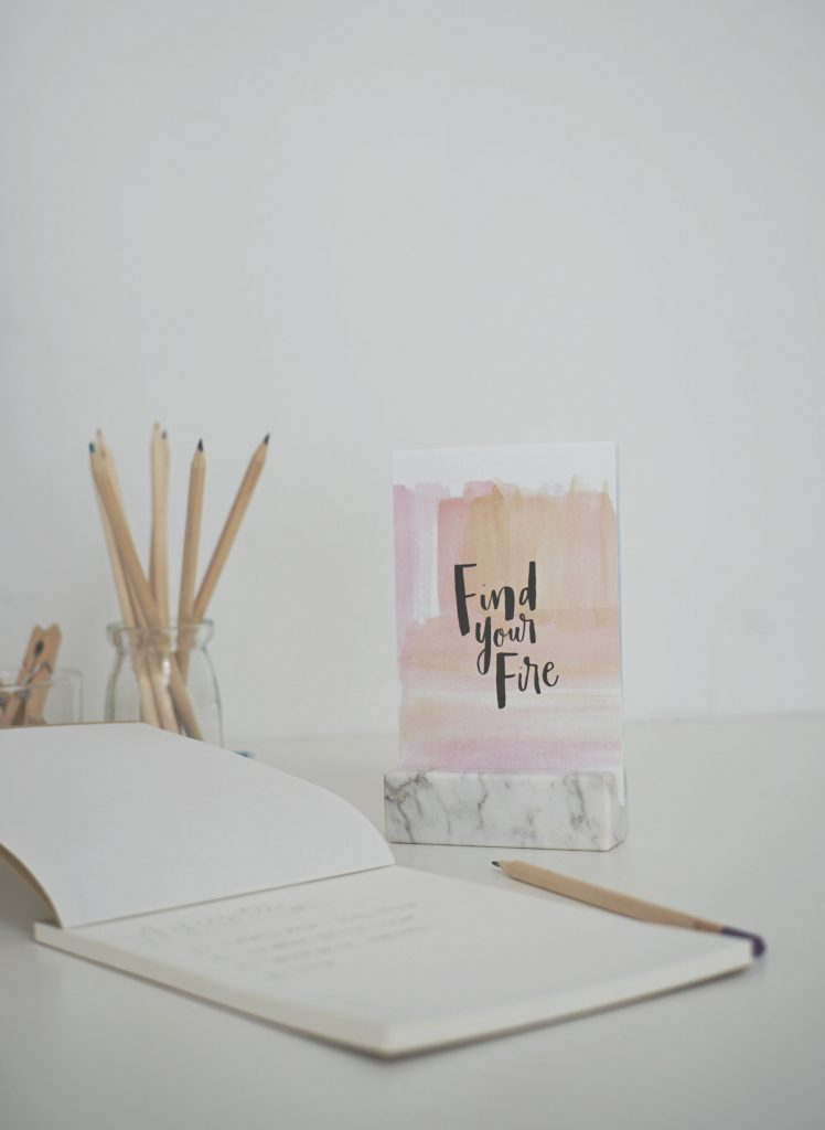 design-stationery-living-loving-04