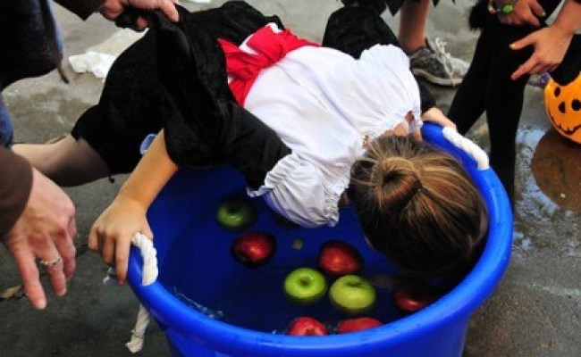 Halloween Party Games Living On A Dime To Grow Rich