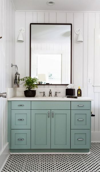 Living on Saltwater - Bathroom Inspiration