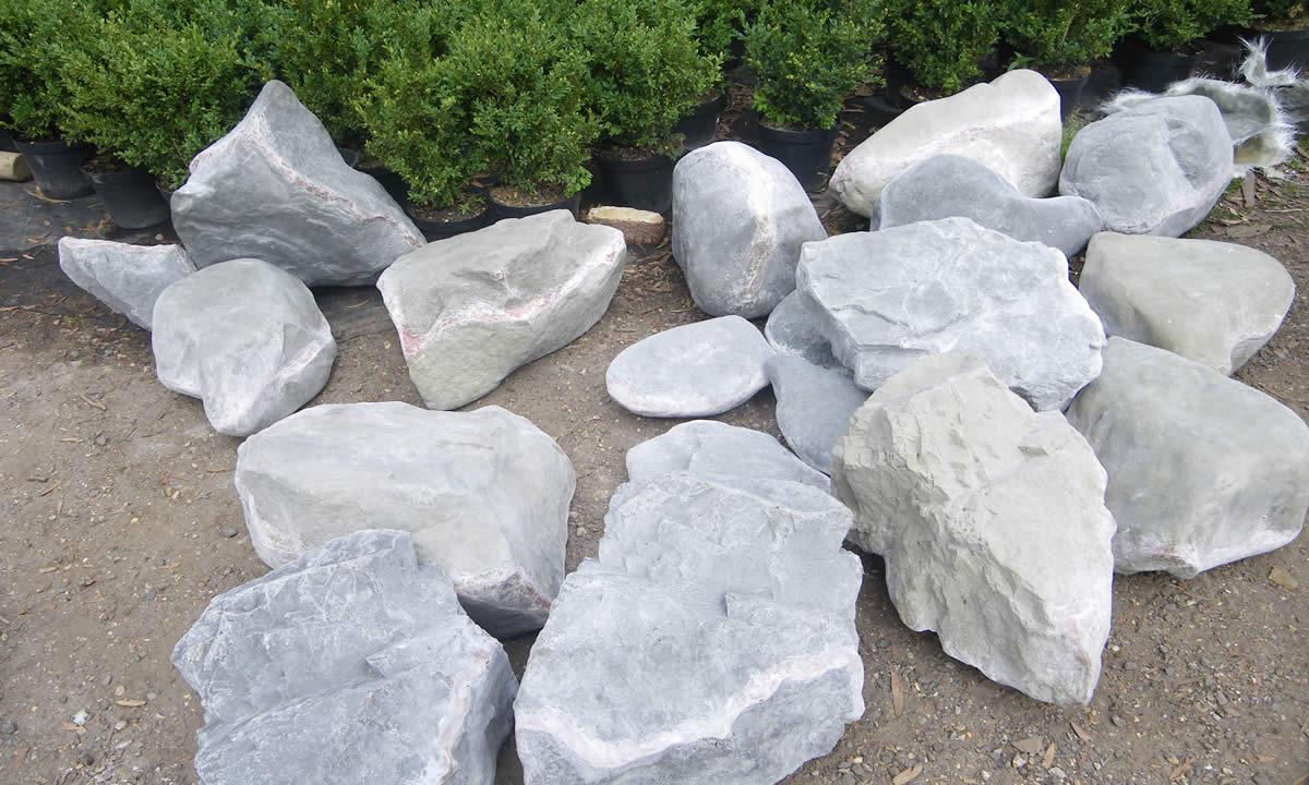 de beers fibreglass rocks  Living Props