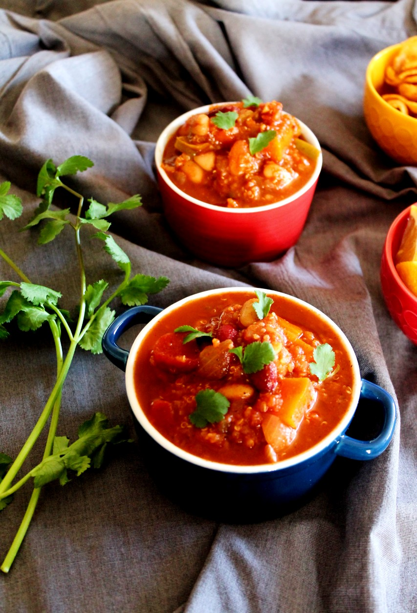 Vegetarian Bean Quinoa Chili – Instant Pot, Stove Top