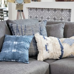 Living Room Decorative Pillows Small Two Sofas How To Clean Throw Spaces
