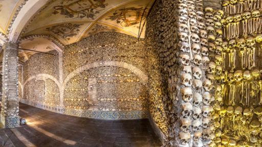 Capela dos Ossos, o templo mais misterioso de Portugal
