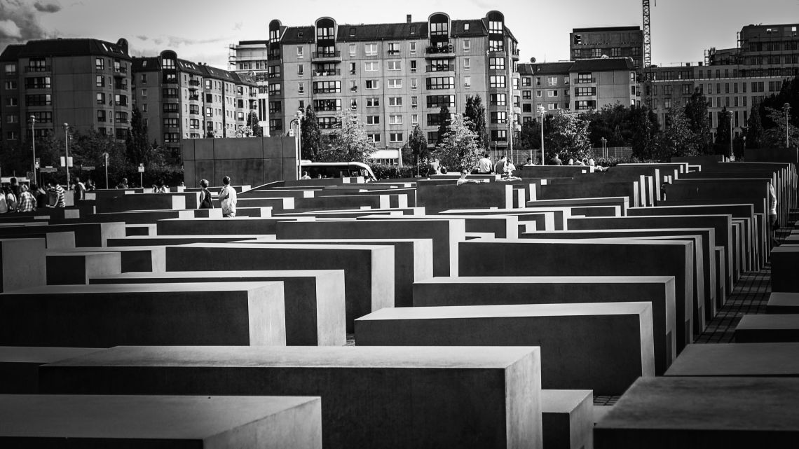 Commemorating the Jews in Berlin 對歷史負責負責的德國柏林