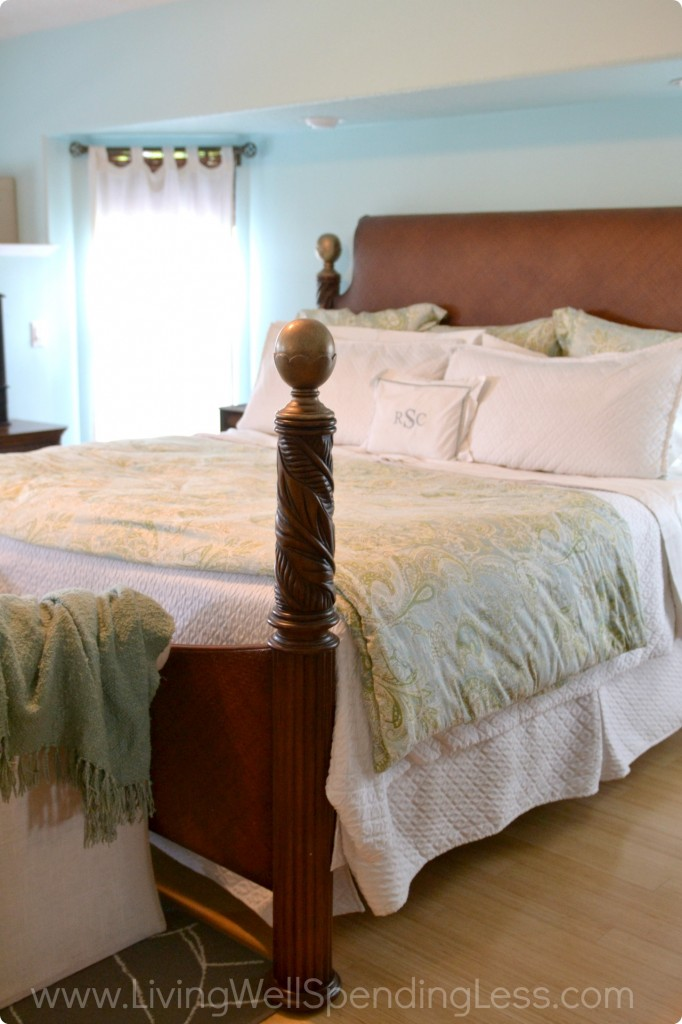 How to Clean Your Bedroom  Messy Room  Cleaning Tips