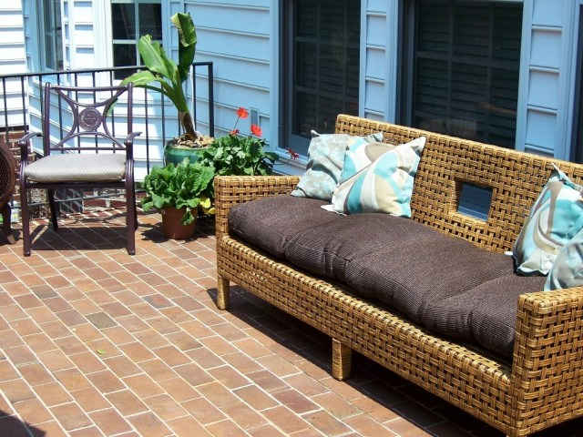 Large weave wicker sofa and cushions