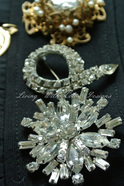snowflake pin costume jewelry livingwithcolordesigns.com