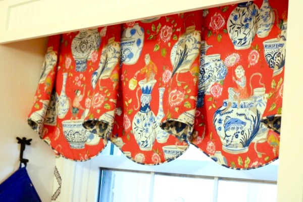 Kitchen Valance- Blue And White Kitchen: Living With Color Designs