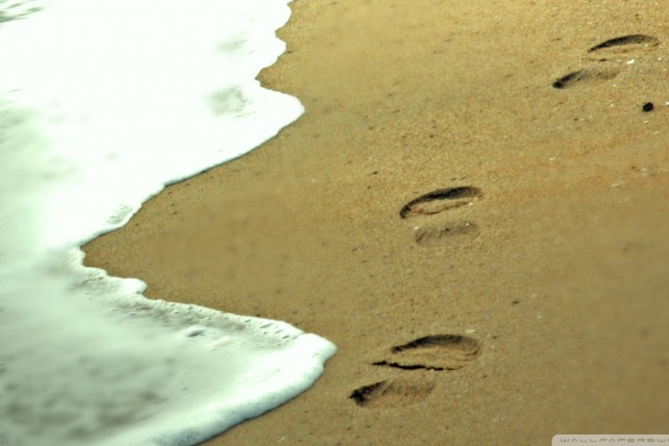 Footprints In The Sand Wallpaper 960×540