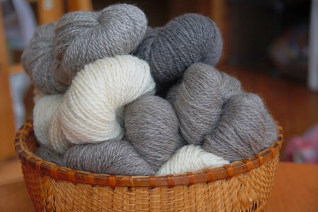 VT Grand View Farm Natural Gray Yarn
