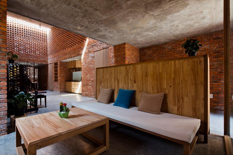 tropical-space-brick-termitary-house-da-nang-city-vietnam-designboom-02