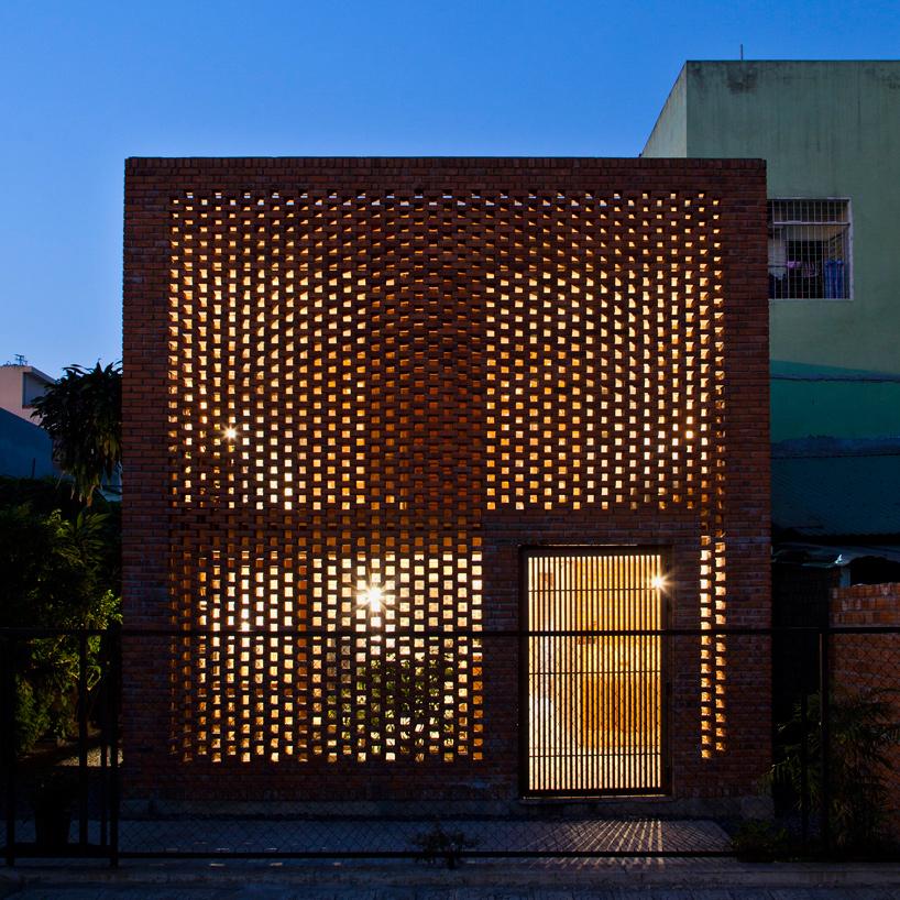 tropical-space-brick-termitary-house-da-nang-city-vietnam-designboom-11