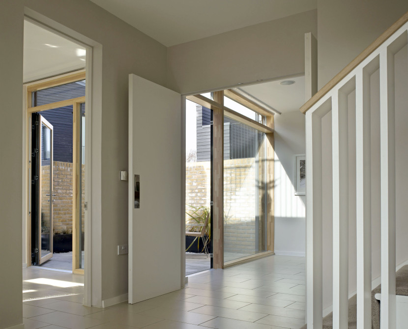 Alison-Brooks-Architects-_-Newhall-Be-_-Harlow-Essex-_-Photo-Interior-Hallway-830x669