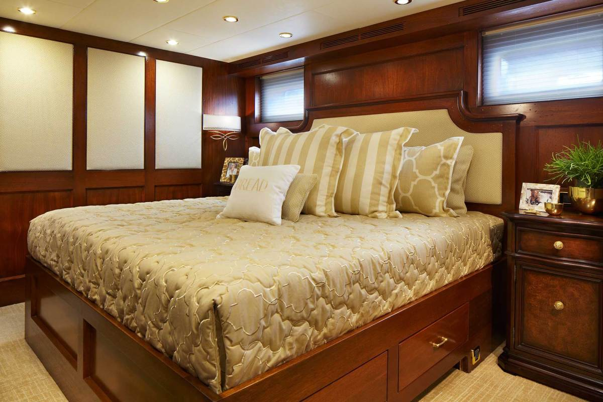 bread-yacht-interior-11-stateroom