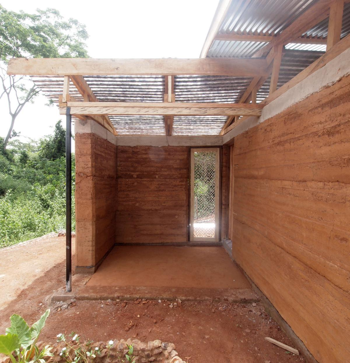 nkabom house_23_rammed earth