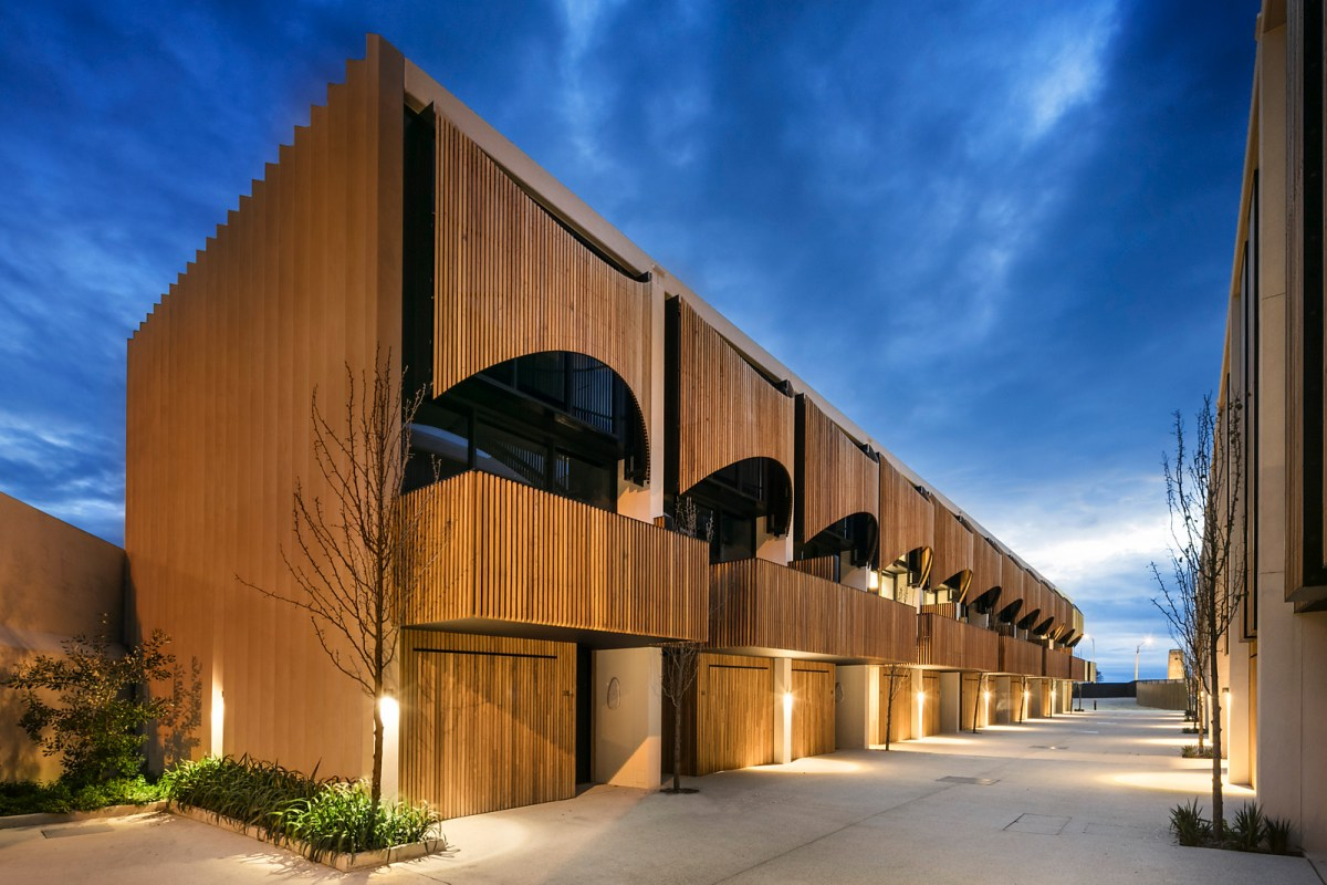 Esplanade townhouses in australia by wood marsh