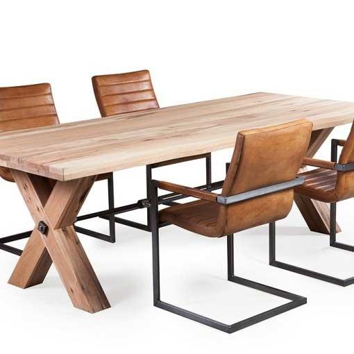 Esstisch Jamie Vollmassiv Eiche mit XBeinen aus Holz
