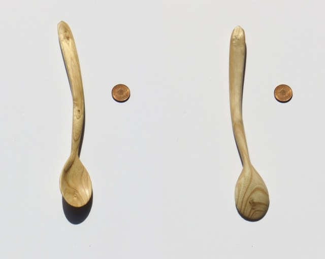 Catalpa spoon for serving around corners