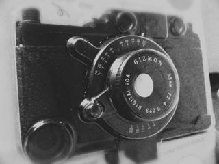 GIZMON iCAでiPhone4をトイカメラとして蘇らせる計画を立ててみた