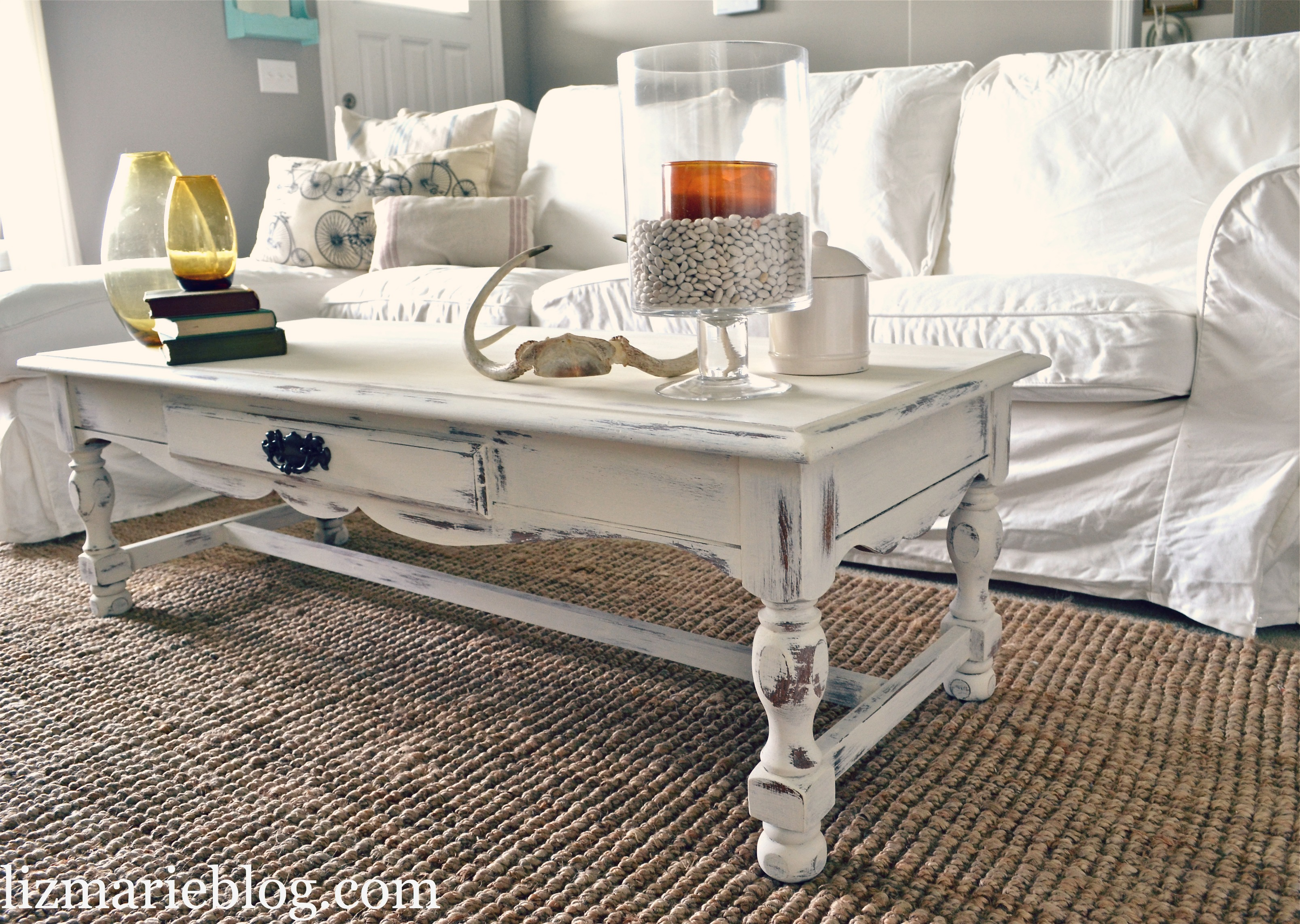 shabby little coffee table liz marie blog. Black Bedroom Furniture Sets. Home Design Ideas